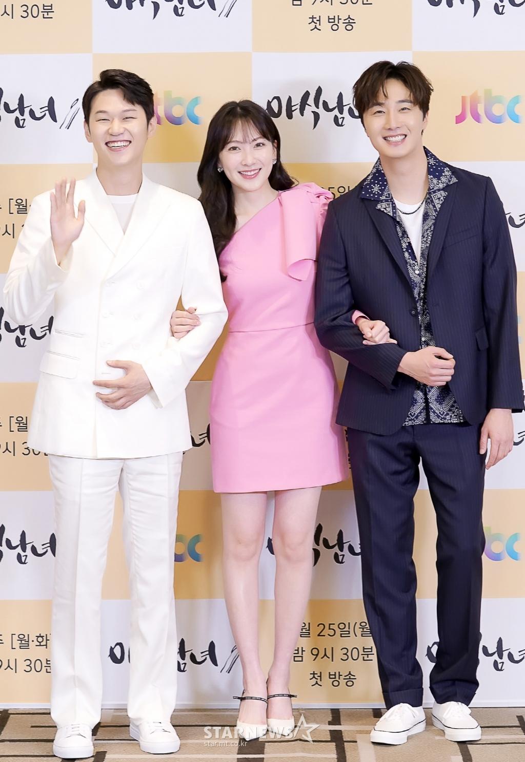 [★포토]이학주-강지영-정일우 '삼각 로맨스 기대하세요'