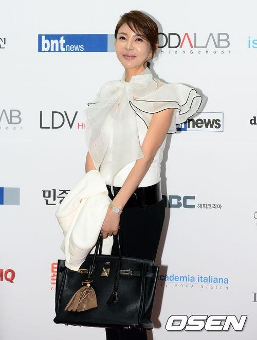 [사진]강문영, '오랜만에 인사 드려요'
