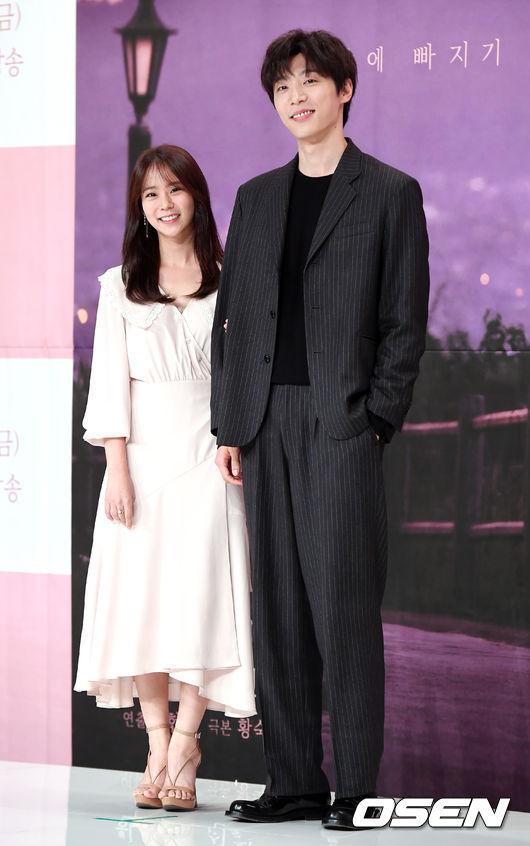 [사진]한승연-신현수,'미소가 닮은 커플'