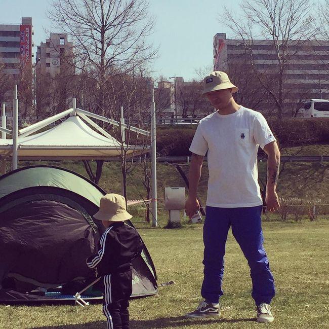 개리, 3살 된 아들과 공원 나들이..남다른 부자 스웨그 [★SHOT!]