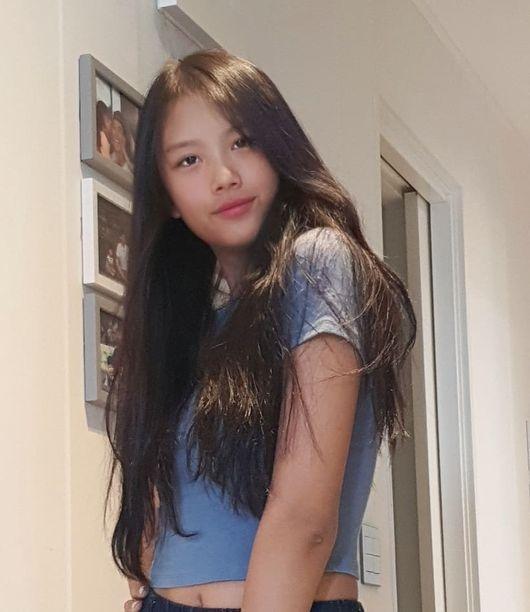 이동국 딸 재시, 14세의 완성형 미모+모델 포스..