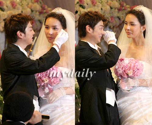 [MD포토] 하리수 결혼, '신랑도 울고 신부도 울고'