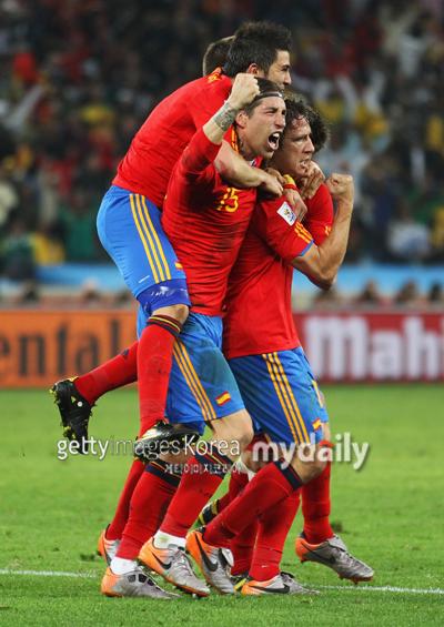 '푸욜 결승골' 스페인, 독일 꺾고 사상 첫 월드컵 결승행