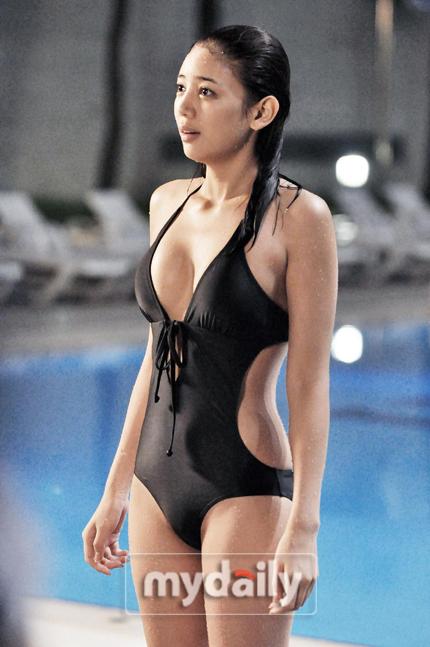 '결혼해주세요' 이태임, 수영장서 숨겨진 8등신 몸매 공개