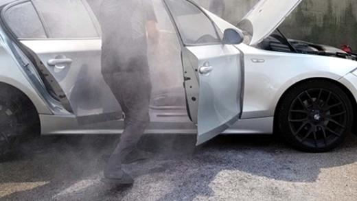 BMW 차량 또 화재, 인천 운전학원 주차된 120d 모델…불안감 확산