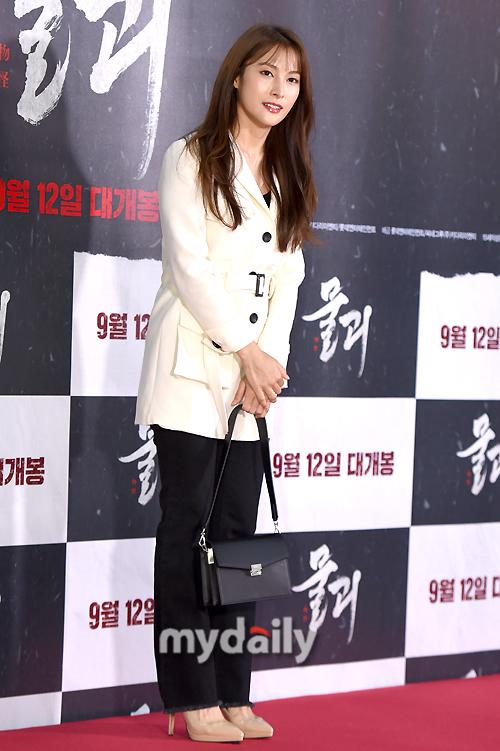 [MD포토] 박규리 '성숙해진 카라'