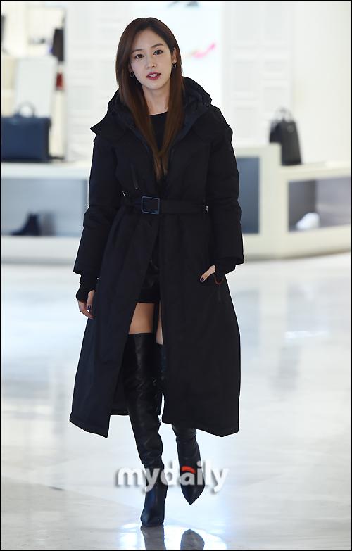 [MD포토] 성유리, '우아한 백화점 명품관 나들이'