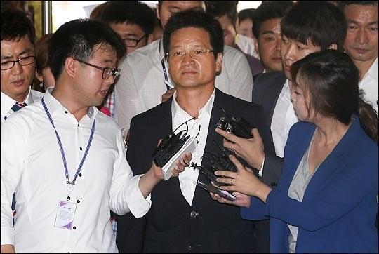 건설업자 윤중천 '성접대 동영상' 유포 혐의는...