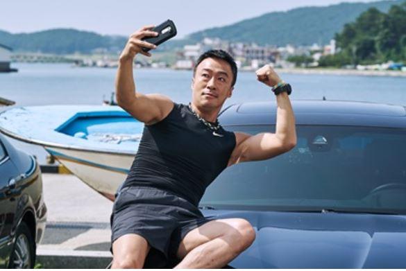 '200만 고지' 보안관 이성민, 신뢰의 아이콘 등극
