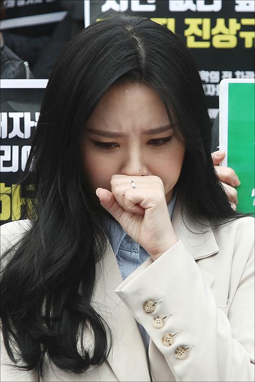 경찰, 윤지오 체포영장 신청…윤지오