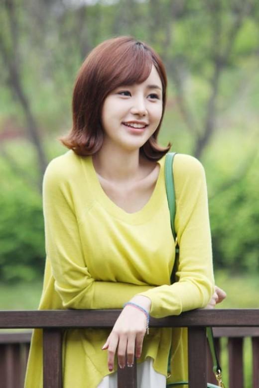 '신품' 윤진이, 트위터 사칭 당했다
