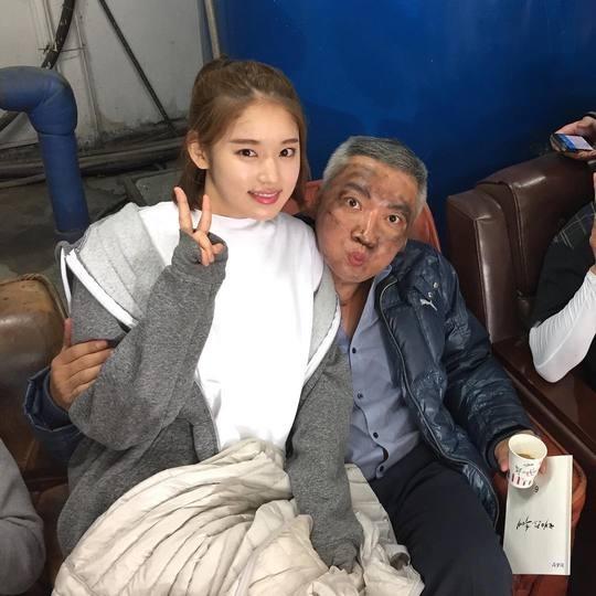 """'태양의 후예' 박환희, 조재윤과 다정샷 공개 """"넘나 좋은 오라버니"""""""