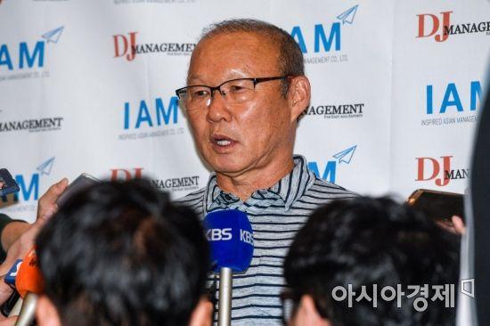 [포토] 인터뷰하는 박항서 감독
