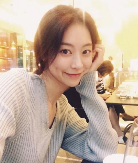 '김용준 여자친구' 박혜원은 누구? '인기가요 MC 출신'