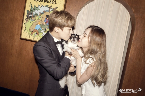 [단독] 간미연♥황바울, 웨딩 화보 입수…예비 부부의 행복한 미소
