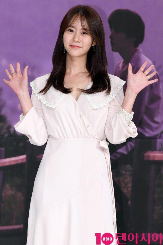 [TEN PHOTO]한승연 '손 흔드는 인형'