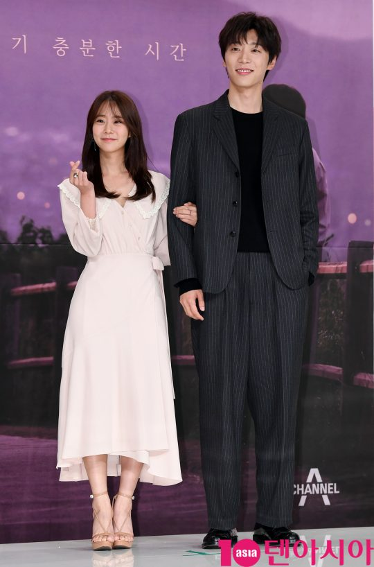 [TEN PHOTO]한승연-신현수 '남여사이 알맞은 키차이'