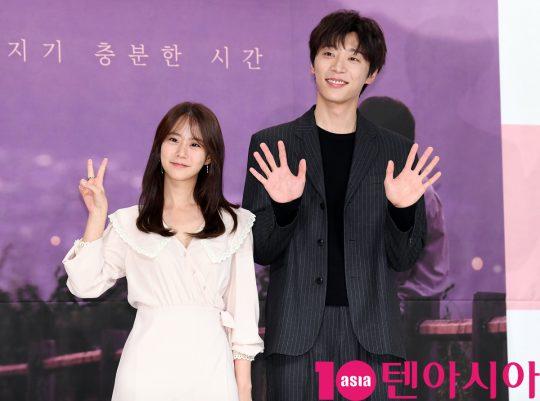 [TEN PHOTO]한승연-신현수 '우린 비주얼 커플'