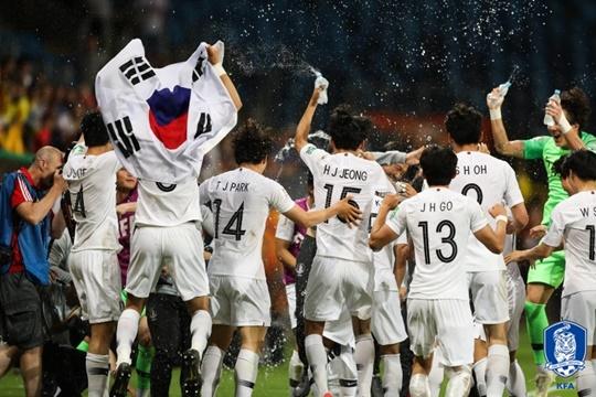 어린 태극전사들의 투혼, 한국 축구 역사 직접 쓰다