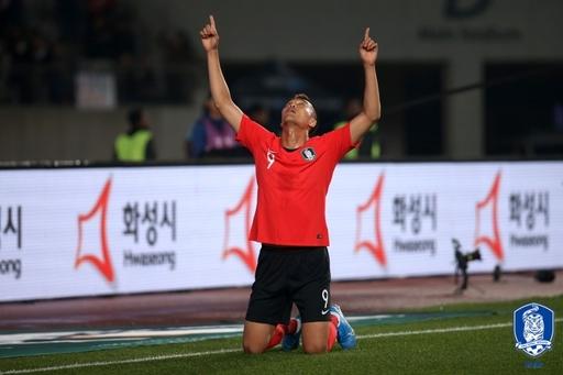 [대한민국 스리랑카] 최정예 쓴 보람있네, 벤투호 손흥민·김신욱·황희찬 골로 5-0 (전반 종료)
