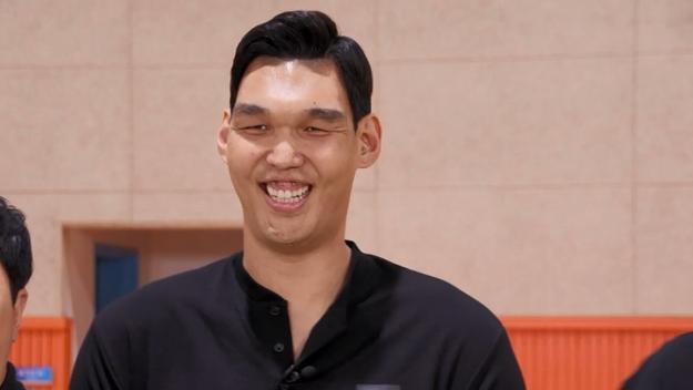'마리텔V2' 정형돈-장성규, '자이언트' 하승진 등장에