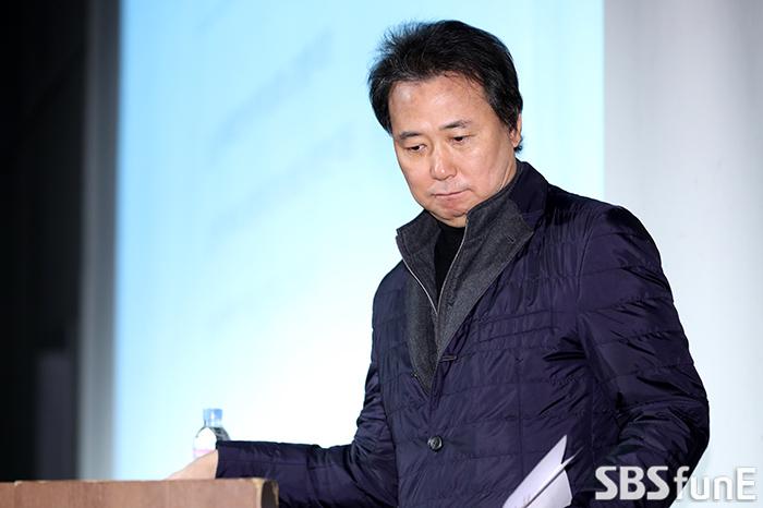 [E포토]'더 이스트라이트' 폭행 사건 반박 기자회견 참석한 김창환 회장