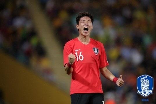[대한민국-우즈베키스탄]황의조 2경기 연속 골 '폭발'… 한국 2-0 리드