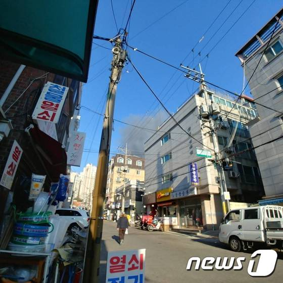 서울 은평구 대조동 주택전시장서 화재… 인명피해 없어