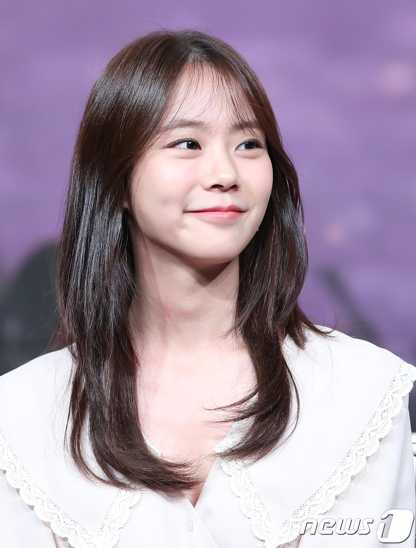 한승연, 아름다운 미소
