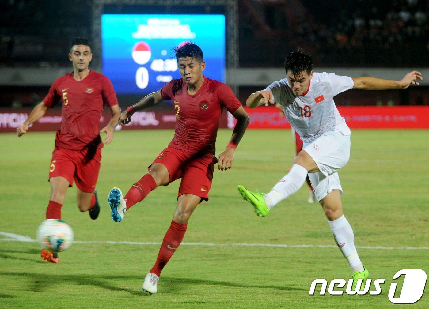 박항서의 베트남, 인도네시아 원정서 3-1 완승…WC 예선 2연승