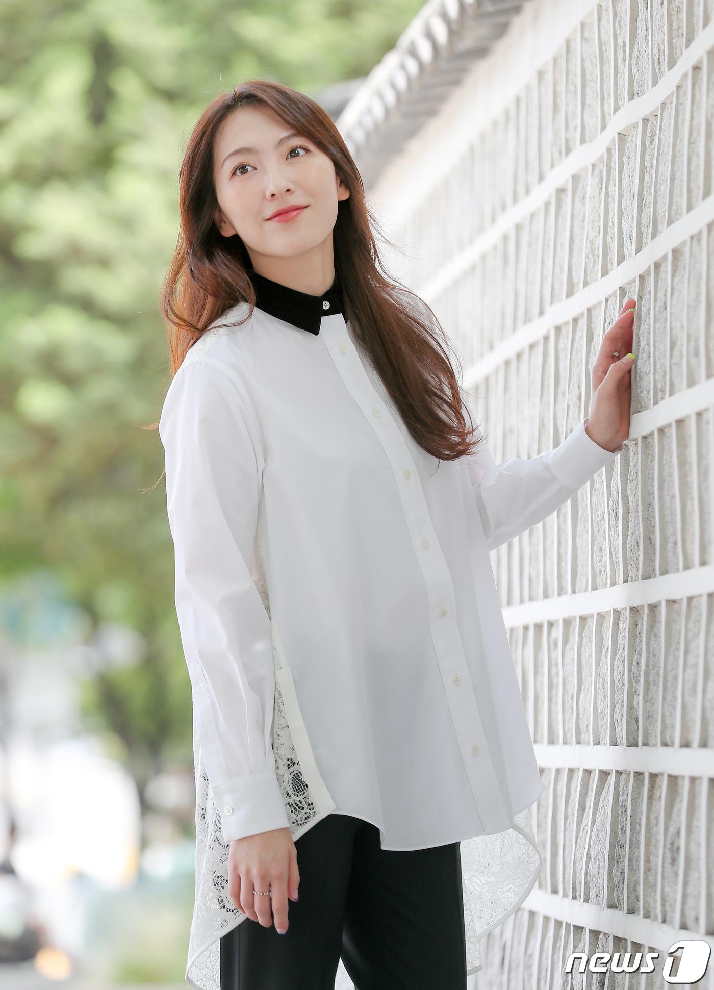 강지영 '자연스러운 눈빛'