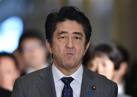 """아베 총리 """"나는 역사 수정주의자 아니다"""" 주장"""