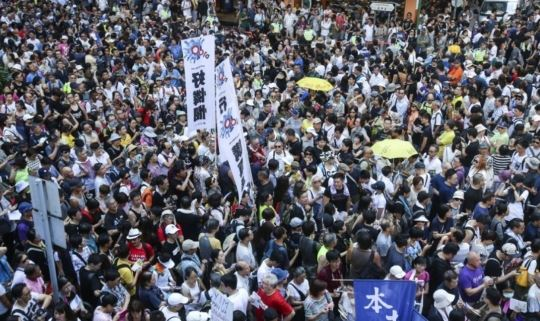 홍콩서 다시 수만명 '우산 시위'