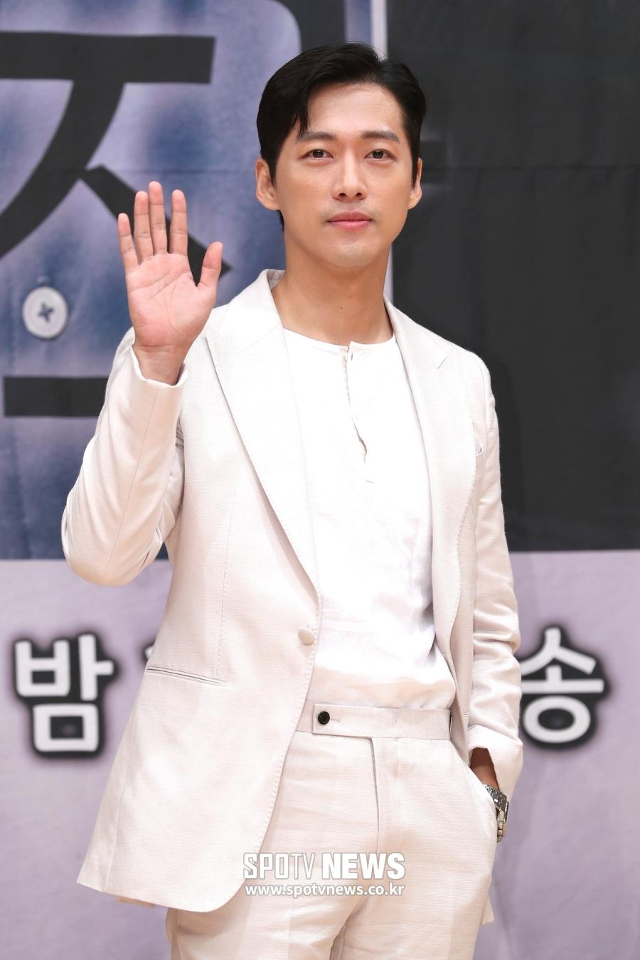 [단독]남궁민, '아는 형님' 뜬다…'나혼자 산다' 이어 예능 열일