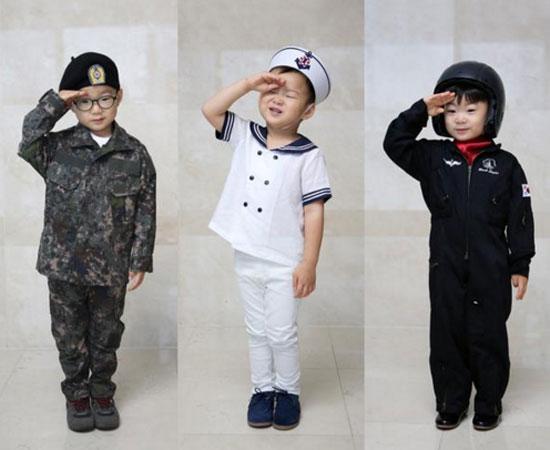 '슈퍼맨이 돌아왔다' 삼둥이, 육·해·공군 퍼포먼스 '깜찍'