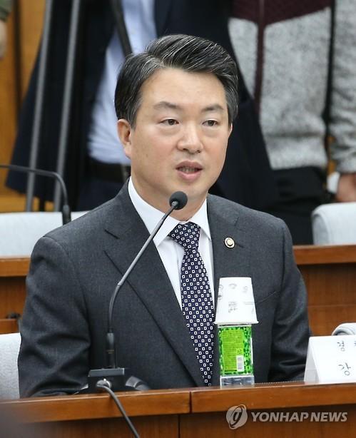 """강신명 경찰청장 """"불법집회·시위 문화 개선할 것"""""""
