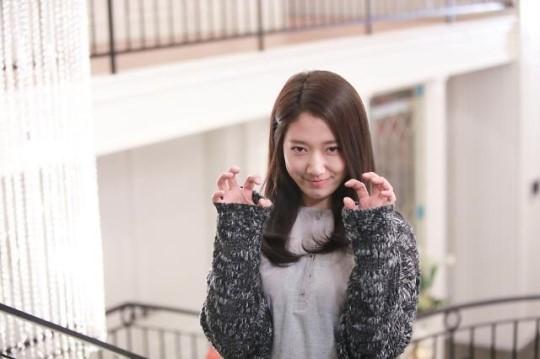[포토] 상속자들 비하인드컷, 박신혜 야옹이 변신?