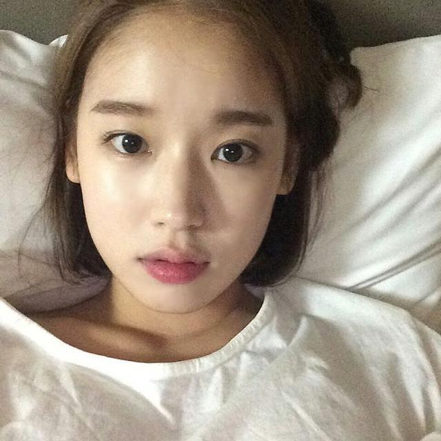 """'태양의 후예' 박환희, 무결점 피부 돋보이는 셀카 """"오늘 7화 너무 감동적이지 말입니다"""""""