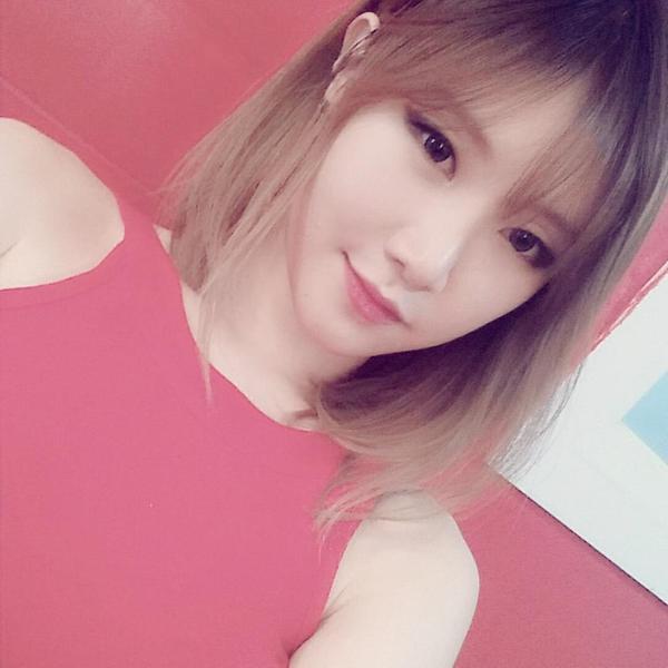"""'언프리티랩스타 시즌2' 예지, 타이트한 레드 드레스 입고 새침…""""왜 내 마음을 흔들어"""""""