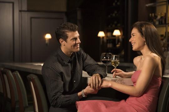 """직장인 평균 데이트 비용 """"연애도 돈이 있어야..."""""""