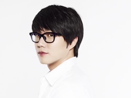 성시경, 컴백 이미지컷 공개..'날렵한 턱선-매력 눈빛' 과시