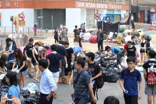 """홍콩 우산시위 확산… 세계 언론 """"'제2의 톈안먼사태' 우려"""""""
