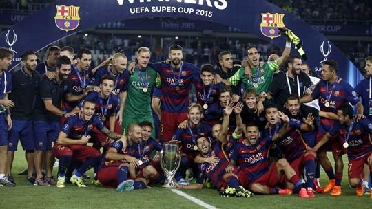 바르셀로나 세비야 5-4 꺾고 슈퍼컵 우승, 메시 프리킥 2골-페드로 결승골