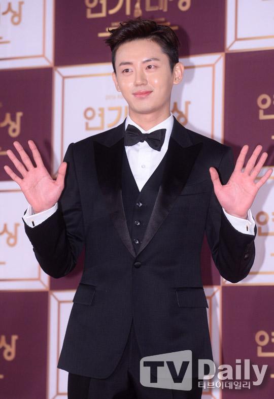 [TD포토] 이지훈 '아름다운 밤이에요' (KBS 연기대상)
