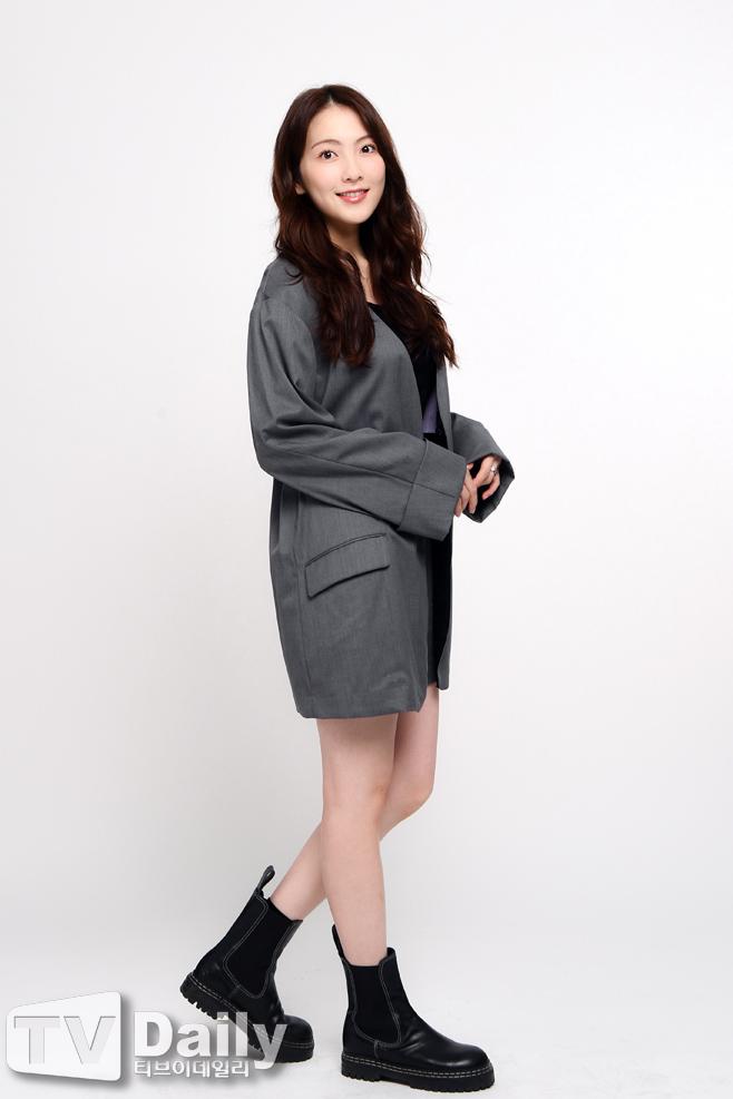 [TD인터뷰] 강지영 '수줍게~'