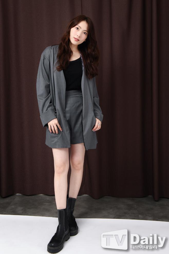 [TD인터뷰] 강지영 '때론 시크하게~'