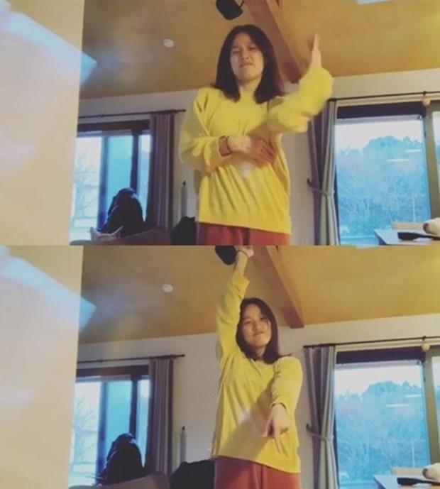 이효리 인스타그램, '아무노래' 댄스 챌린지 업데이트…'대세 인증'