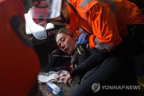 홍콩공항 시위대-경찰 정면 충돌…홍콩 시위 이유 '송환법'이란?