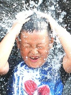 날씨예보 오늘 초복 전국이 팔팔…내일도 폭염 주말 마지막 장마