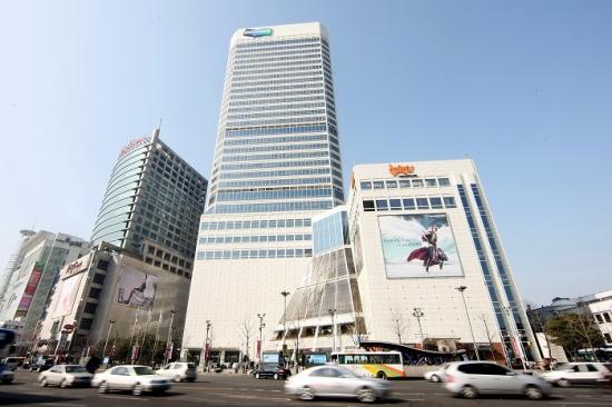 두산, 지난해 매출 18.53조 · 영업이익 1.26조...'실적 껑충'